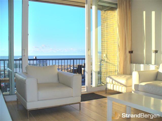 ferienwohnung zandkasteel mit meerblick in bergen aan zee. Black Bedroom Furniture Sets. Home Design Ideas