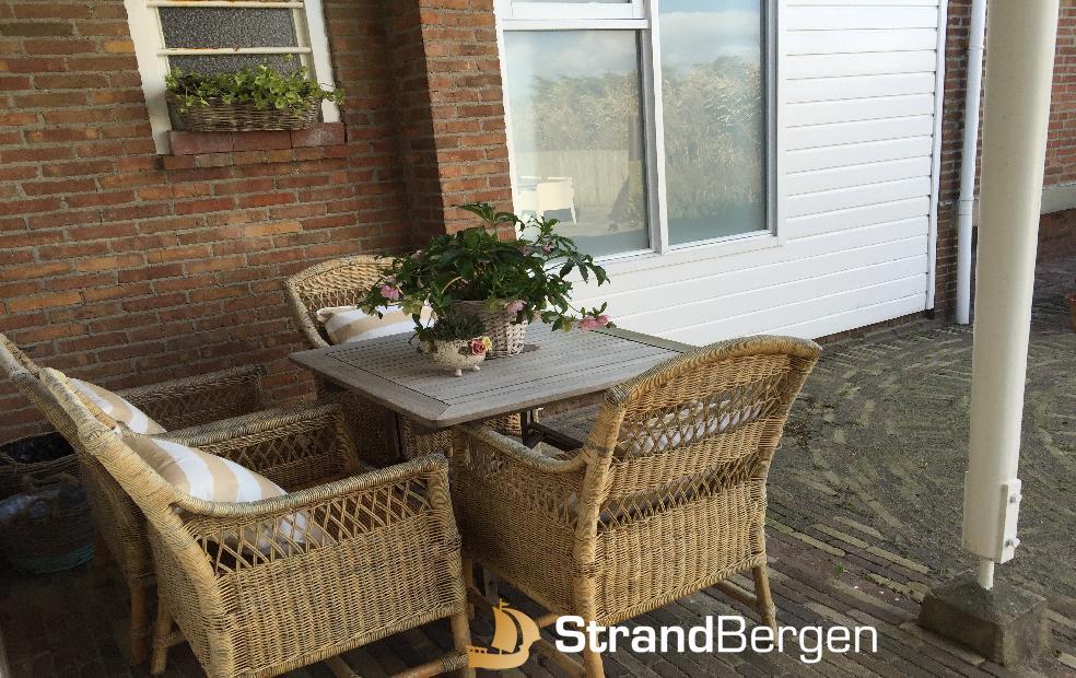sch nes ferienhaus zeevogel strand garten terrasse kamin. Black Bedroom Furniture Sets. Home Design Ideas