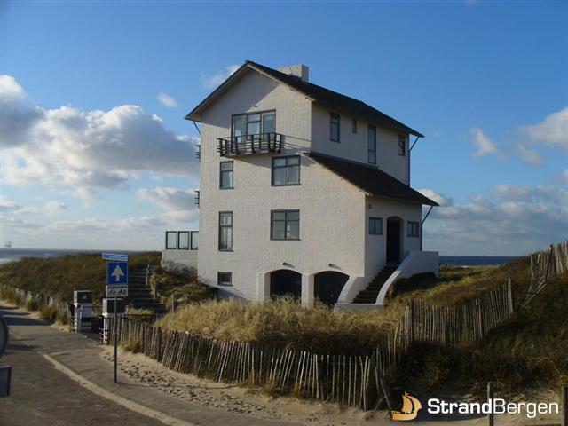 Vakantiehuis villa de horizon bergen aan zee absolute topklasse - Modern huis aan zee ...